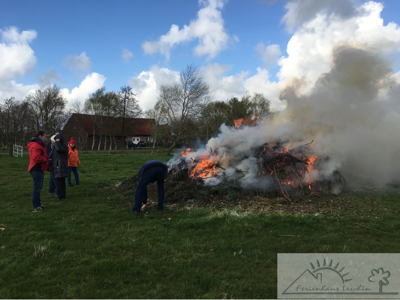 Osterfeuer im Wold